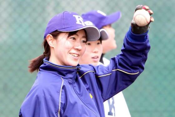 駒大苫小牧女子硬式野球部の部長に就任した佐藤千尋さん【写真:石川加奈子】