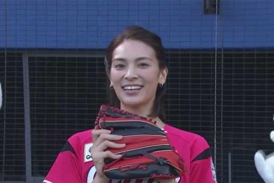 始球式を務めた元AKB48の秋元才加さん【画像:パーソル パ・リーグTV】