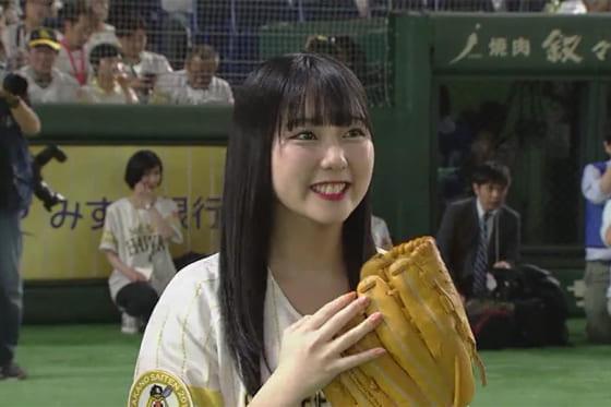 始球式に登場したHKT48の田中美久さん【画像:パーソル パ・リーグTV】