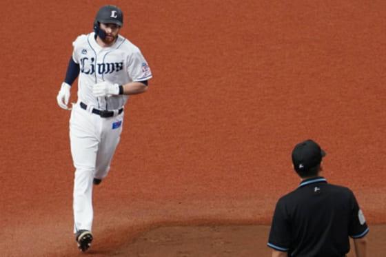 2打席連続本塁打を放った西武のコーリー・スパンジェンバーグ【写真:宮脇広久】