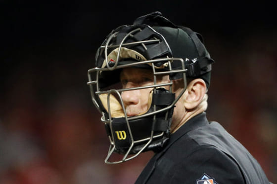世界野球のベーシックに? WBSCがマスクシールド付き球審マスクの写真を公開【写真:Getty Images】