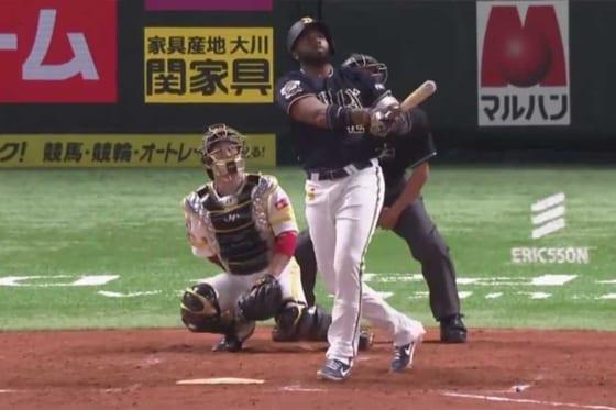 第3打席で本塁打を放ったオリックスのアデルリン・ロドリゲス【画像:パーソル パ・リーグTV】