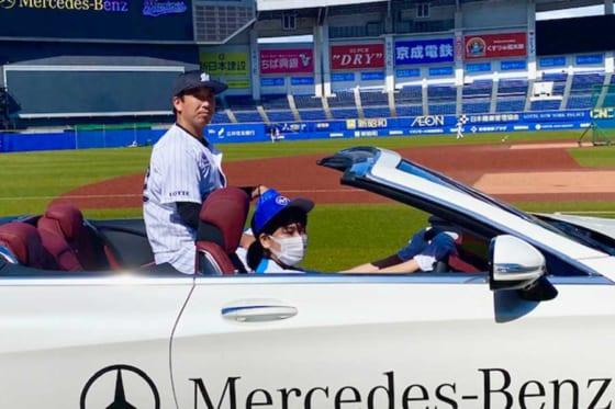 メルセデス・ベンツ日本株式会社の提供する車両を主催公式戦でリリーフカーとして採用【写真提供:千葉ロッテマリーンズ】