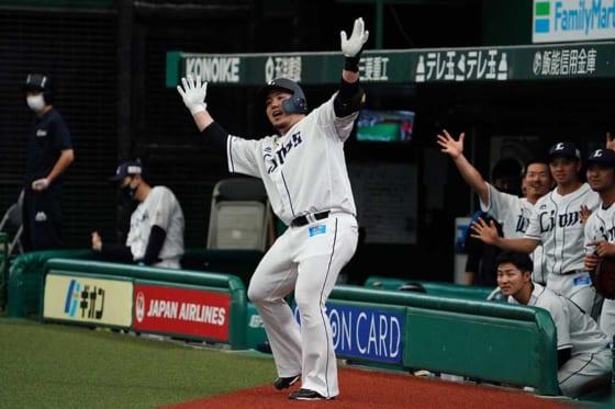 3試合連続本塁打を放った西武・山川穂高【写真:荒川祐史】