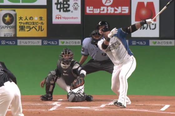 適時二塁打を放った日本ハム・中田翔【画像:パーソル パ・リーグTV】
