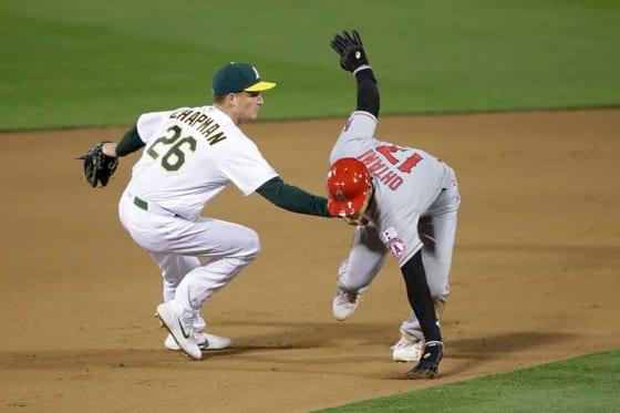 延長タイブレークの10回に二塁走者として登場したエンゼルス・大谷翔平【写真:AP】