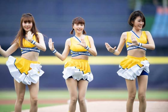 チュンチュン(中央)ら「パッションシスターズ」【写真:Getty Images】