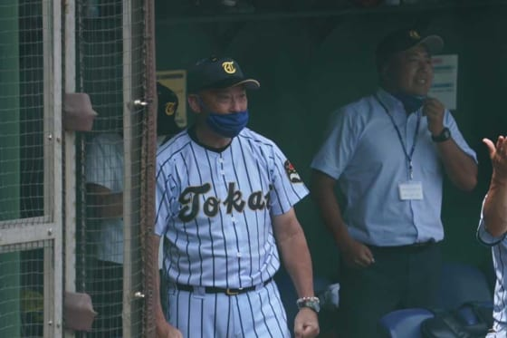 東海大菅生・若林弘泰監督【写真:荒川祐史】
