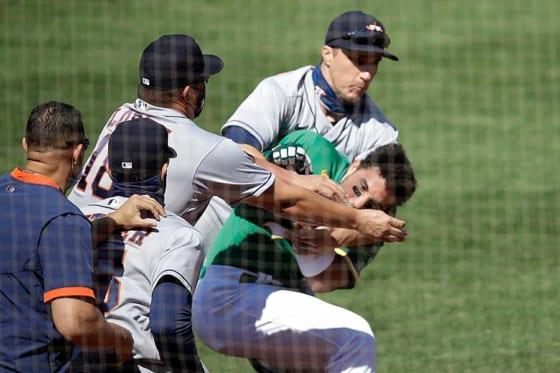 アスレチックス-アストロズ戦で今シーズン初の乱闘が勃発【写真:AP】