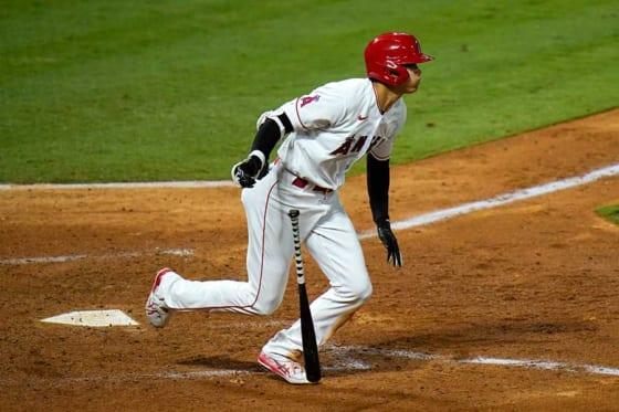 第3打席で右前二塁打を放ったエンゼルス・大谷翔平【写真:AP】