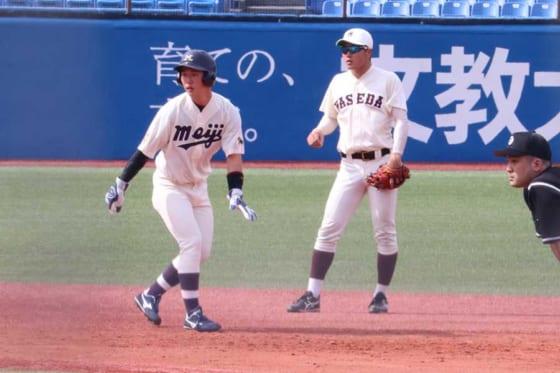開幕戦に出場した明大・西川黎(左)と早大・熊田任洋【写真:編集部】