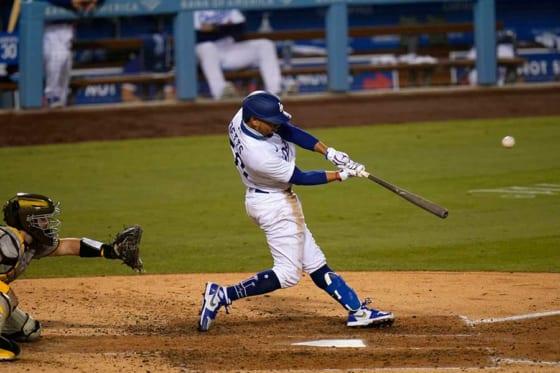 パドレス戦で3本塁打を放ったドジャースのムーキー・ベッツ【写真:AP】
