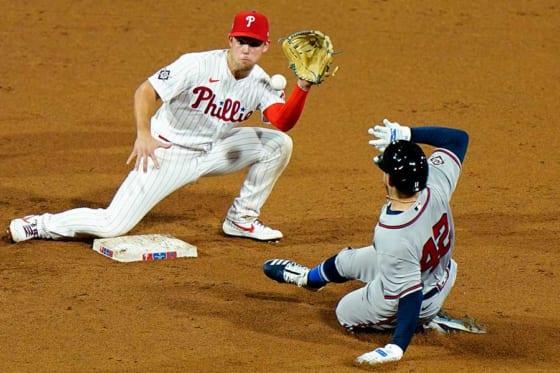 インシアーテが試みた盗塁が物議を醸す判定を生んだ【写真:AP】