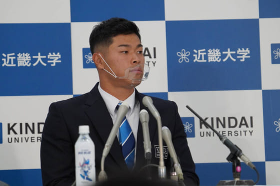 阪神が交渉権を獲得した近大・佐藤輝明【写真:宮脇広久】
