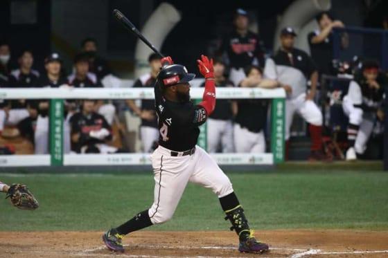 阪神が獲得を発表したメル・ロハスJr.【写真:Getty Images】