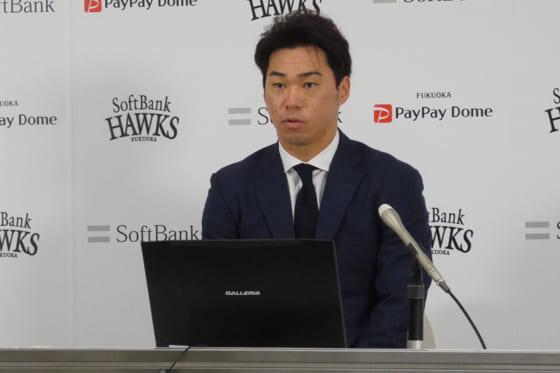会見に臨んだソフトバンク・長谷川勇也【写真:代表撮影】