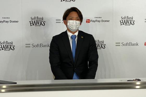 会見に臨んだソフトバンク・東浜巨【写真:代表撮影】