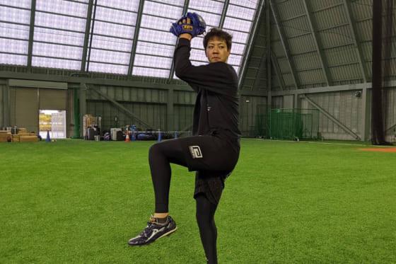 自主トレを行ったDeNA・平良拳太郎【写真提供:横浜DeNAベイスターズ】