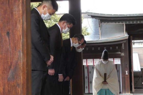 ソフトバンクは福岡市内の箱崎宮で必勝祈願を行った【写真:代表撮影】