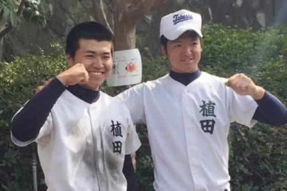 甲子園で同一大会兄弟本塁打を放った高松商時代の植田兄弟【写真:本人提供】