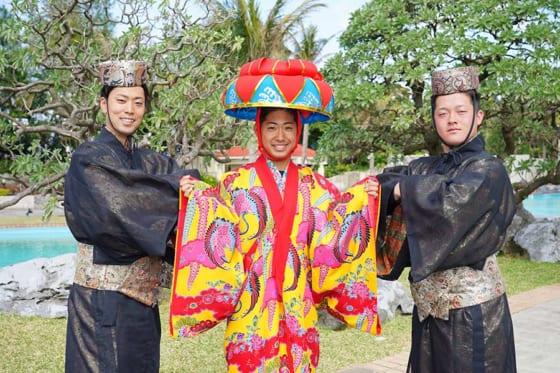 琉球衣装を身にまとったDeNA・入江大生、池谷蒼大、牧秀悟(左から)【写真提供:横浜DeNAベイスターズ】