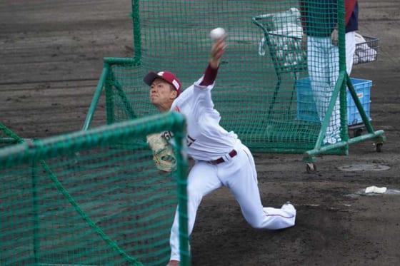 打撃投手を務めた楽天・早川隆久【写真:宮脇広久】