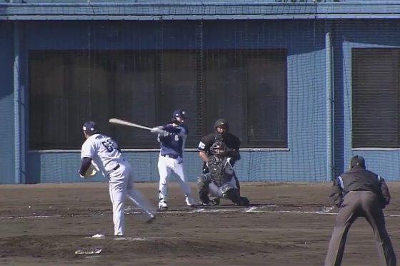 二塁打を放つ西武・源田壮亮【画像:パーソル パ・リーグTV】