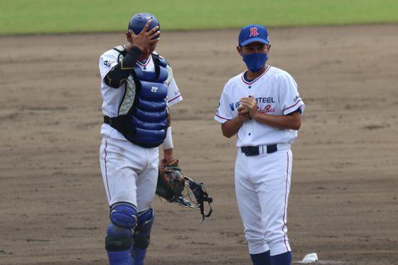 日本製鉄東海REXのコーチを務めている武田久氏(右)【写真提供:日本製鉄東海REX】