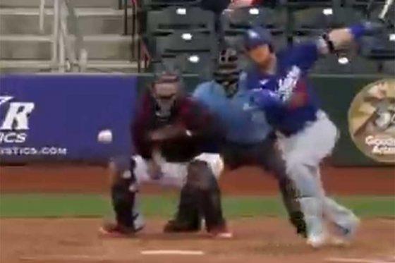 ドジャースのジャスティン・ターナーの打球が話題(画像はスクリーンショット)