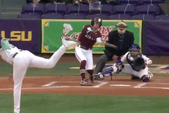 ルイジアナ州立大のジェイデン・ヒルのチェンジアップに打者もお手上げ(画像はスクリーンショット)