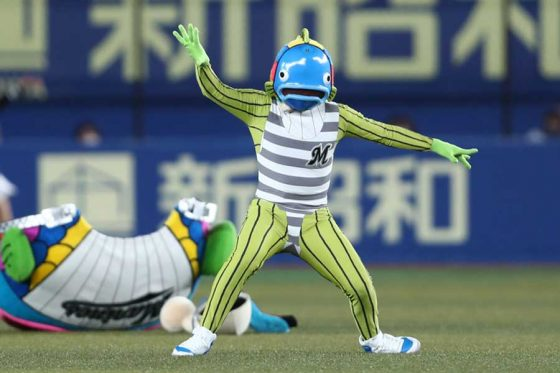 ロッテの公式キャラクター「謎の魚」【写真提供:千葉ロッテマリーンズ】