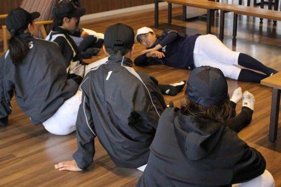 履正社女子野球部が実施した練習体験会の様子【写真:喜岡桜】