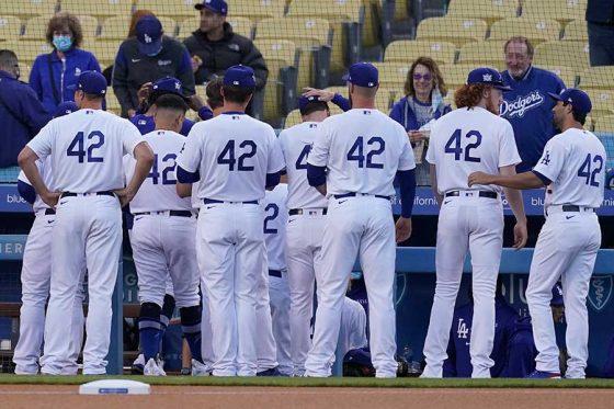選手全員がジャッキー・ロビンソンの背番号「42」を身に纏い試合に臨んだ【写真:AP】