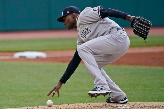失策するヤンキースのドミンゴ・ヘルマン【写真:AP】