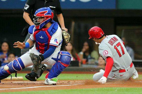 初回に好走塁で先取点のホームを踏んだエンゼルス・大谷翔平【写真:AP】