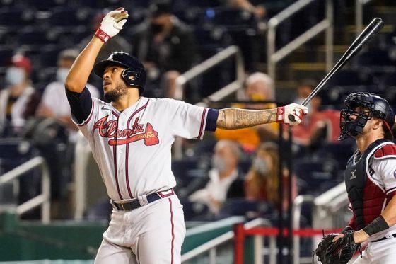 投手として先発した試合で満塁弾を放ったブレーブスのワスカル・イノーア【写真:AP】