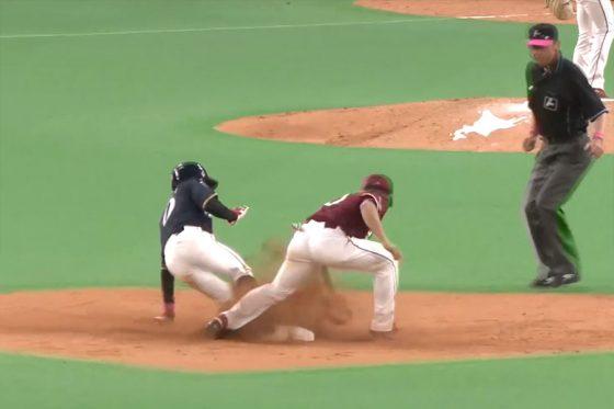 プロ初盗塁を決めた日本ハム・五十幡亮汰【画像:パーソル パ・リーグTV】
