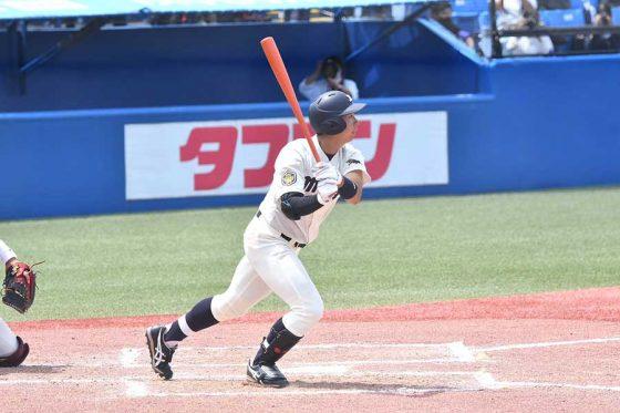 2安打3打点と勝利に貢献した明大・上田希由翔【写真:中戸川知世】