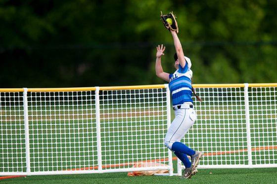 """フェンスを飛び越える""""本塁打強奪キャッチ""""に米注目(写真はイメージ)【写真:Getty Images】"""