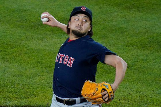 ヤンキース戦に2番手で登板したレッドソックス・澤村拓一【写真:AP】