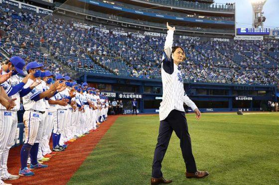 試合後に行われた石川雄洋氏の引退セレモニーの様子【写真提供:横浜DeNAベイスターズ】