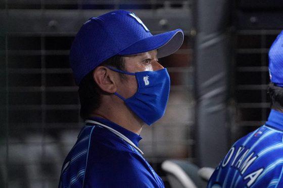 DeNA・三浦大輔監督【写真:荒川祐史】