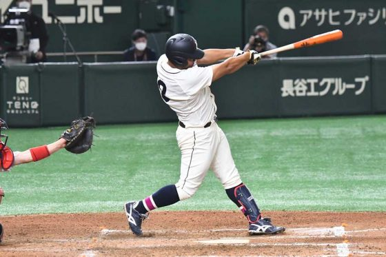 6回に本塁打を放った国学院大・山本ダンテ武蔵【写真:中戸川知世】