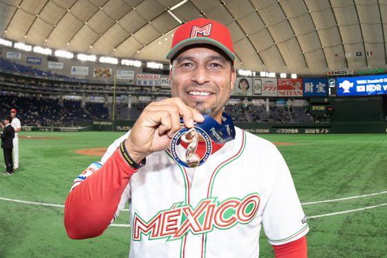 プレミア12でメキシコ代表を3位に導いたカストロ監督【写真:Getty Images】