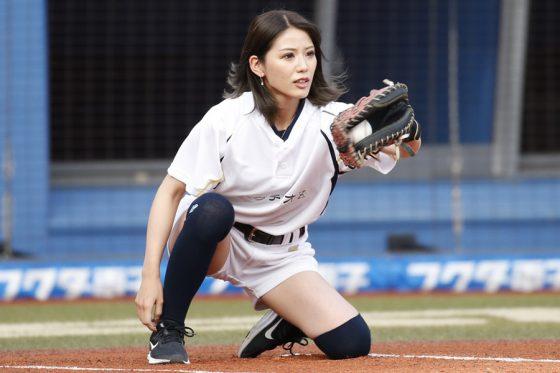 試合前イベントに登場したギャル系野球女子YouTuber・めいちゅん【写真提供:千葉ロッテマリーンズ】