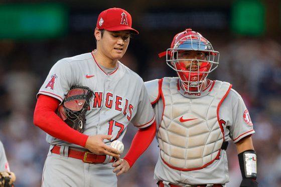 ヤンキース戦に先発するも初回KOとなったエンゼルス・大谷翔平(左)【写真:Getty Images】