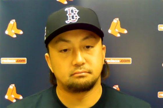 試合前の会見に臨んだレッドソックスの澤村拓一(画像はスクリーンショット)