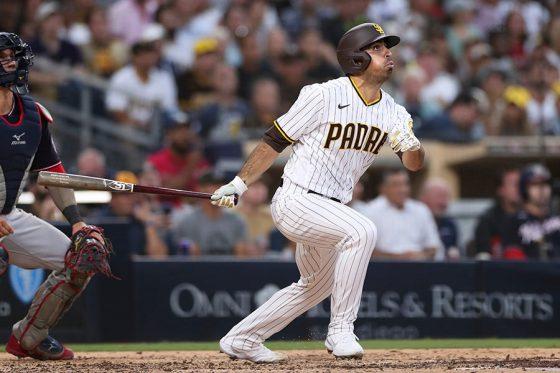 プロ初安打となる満塁弾を放ったパドレスのダニエル・カマレナ【写真:AP】
