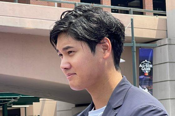 レッドカーペットショーに登場したエンゼルス・大谷翔平【写真:盆子原浩二】