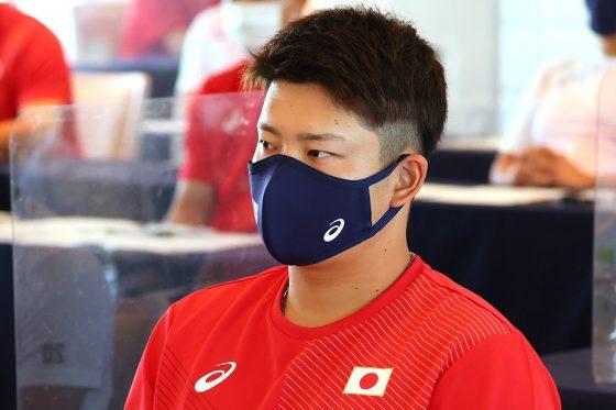 侍ジャパンのミーティングに臨んだ村上宗隆【写真:Getty Images】